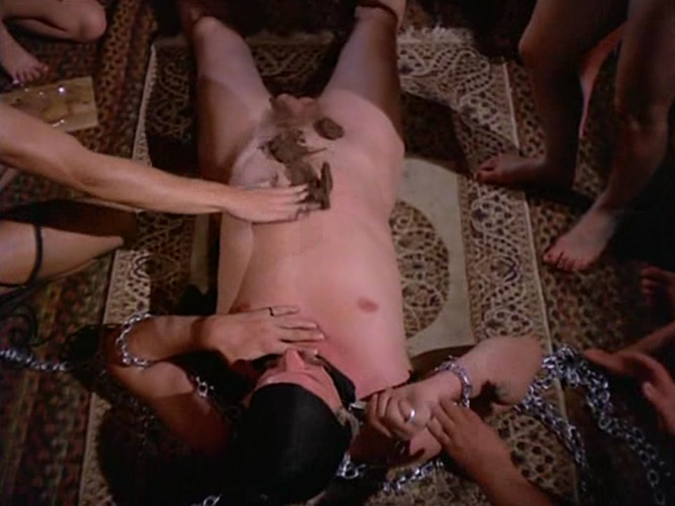 Piss scene from femmes de sade