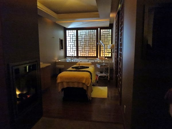 Single treatment room at CHI, The Spa at Shangri-La