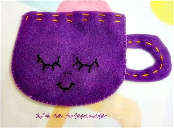 xícara de feltro para levar na bolsa