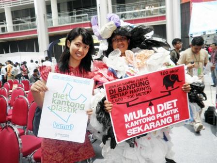 Diet Kantong Plastik, Solusi Ngurangi Sampah