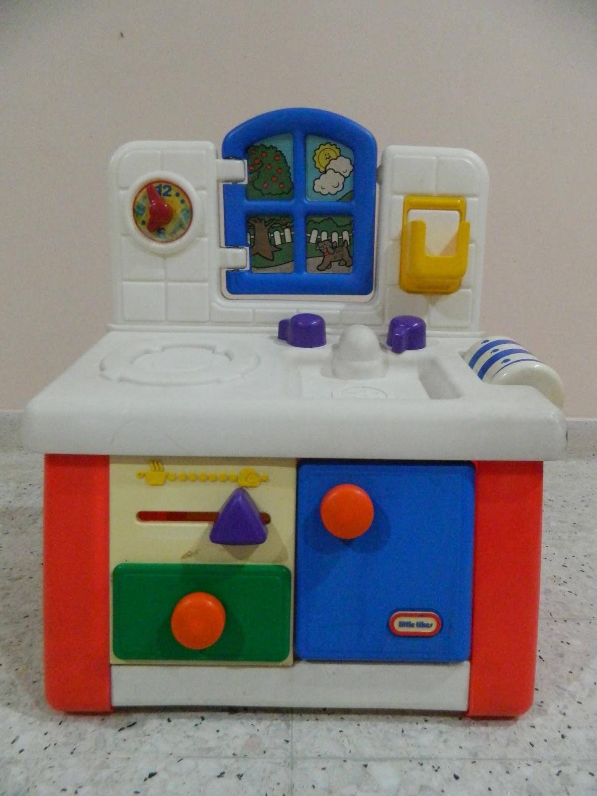 Save on toys little tikes mini kitchen set for Mini kitchen playset