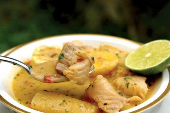 Sopa de yuca con pescado el chef dice - Como cocinar yuca ...