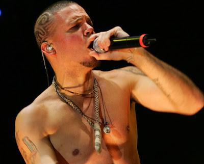 Calle 13 suspende show en Argentina por costo de tickets