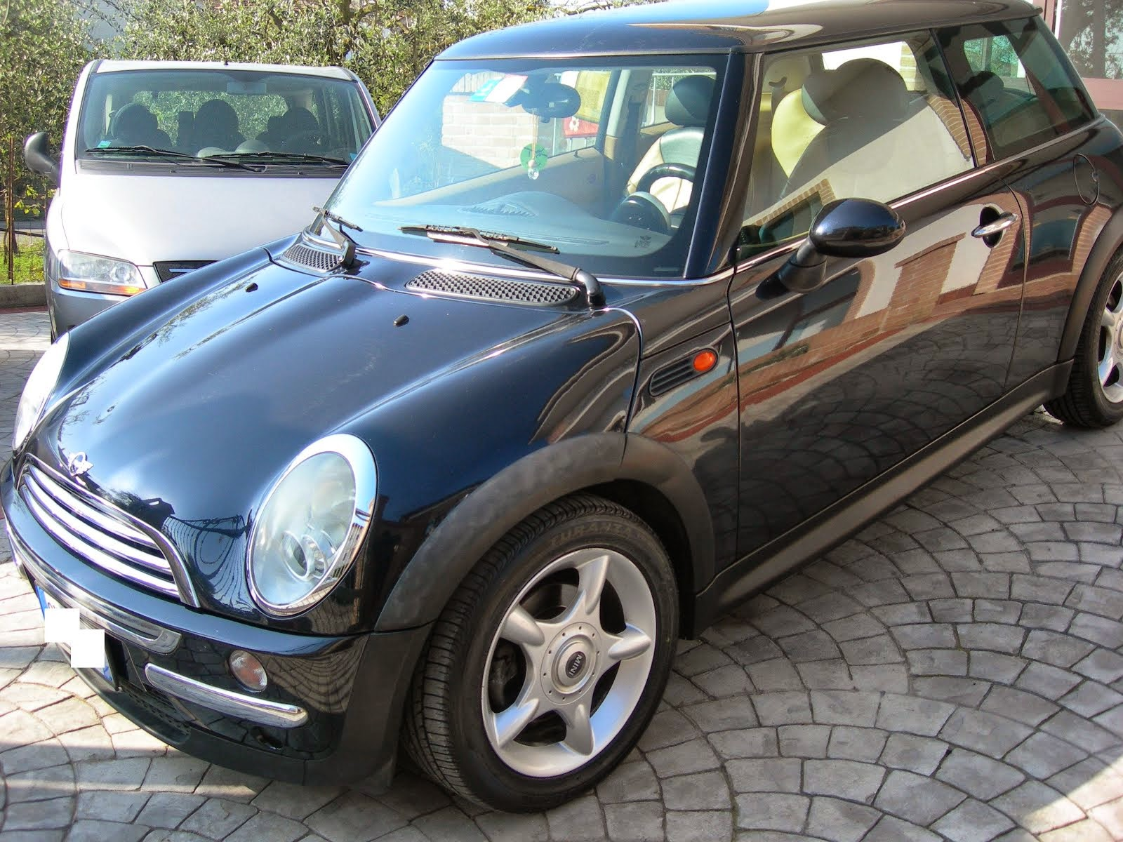 Mini One 1.4 TDi 55 Kw de luxe 2005 5.300,00 Euro