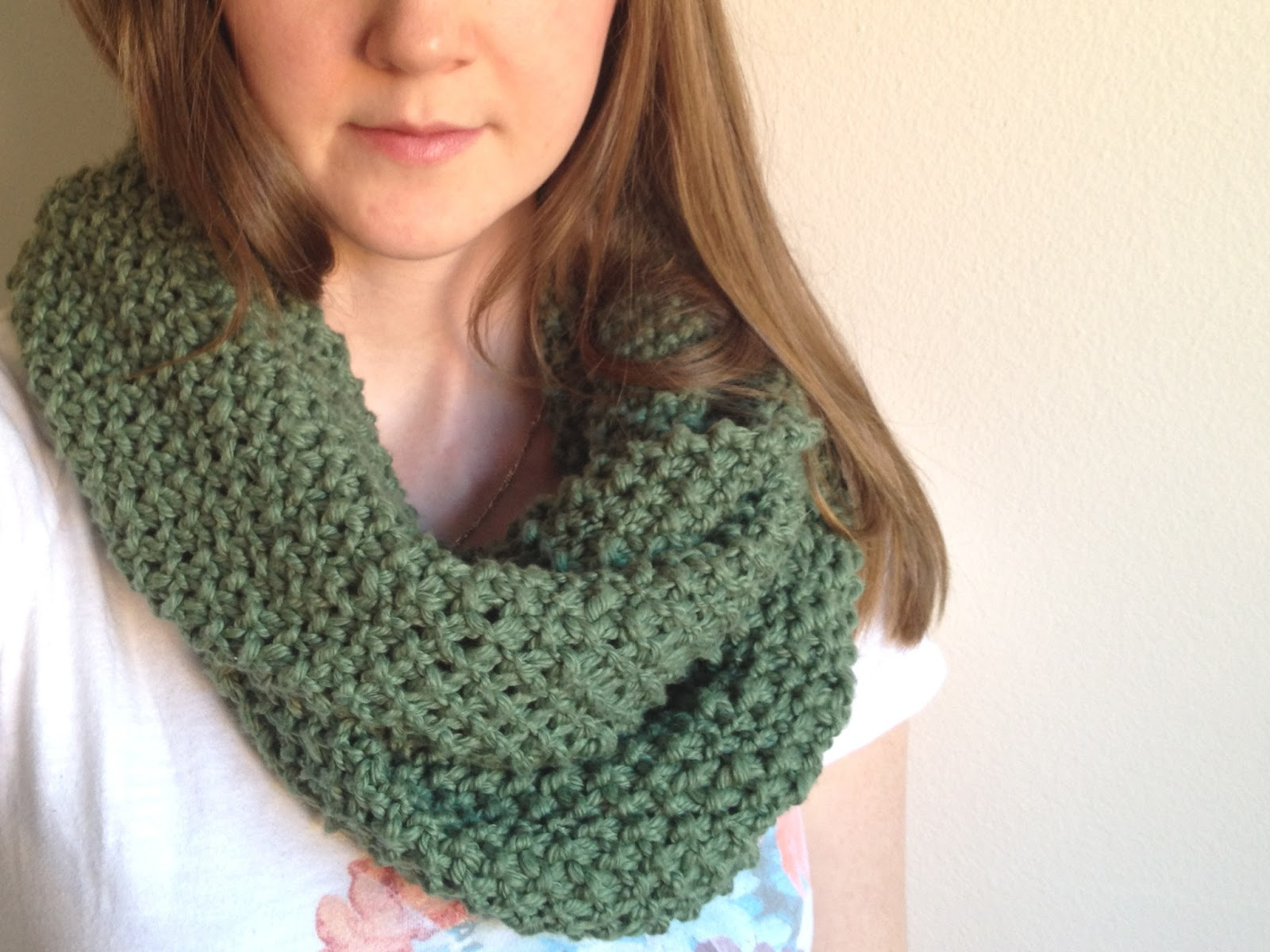 Free Knitting Patterns For Scarves For Beginners : tinselmint: FREE INFINITY SCARF PATTERN FOR BEGINNERS