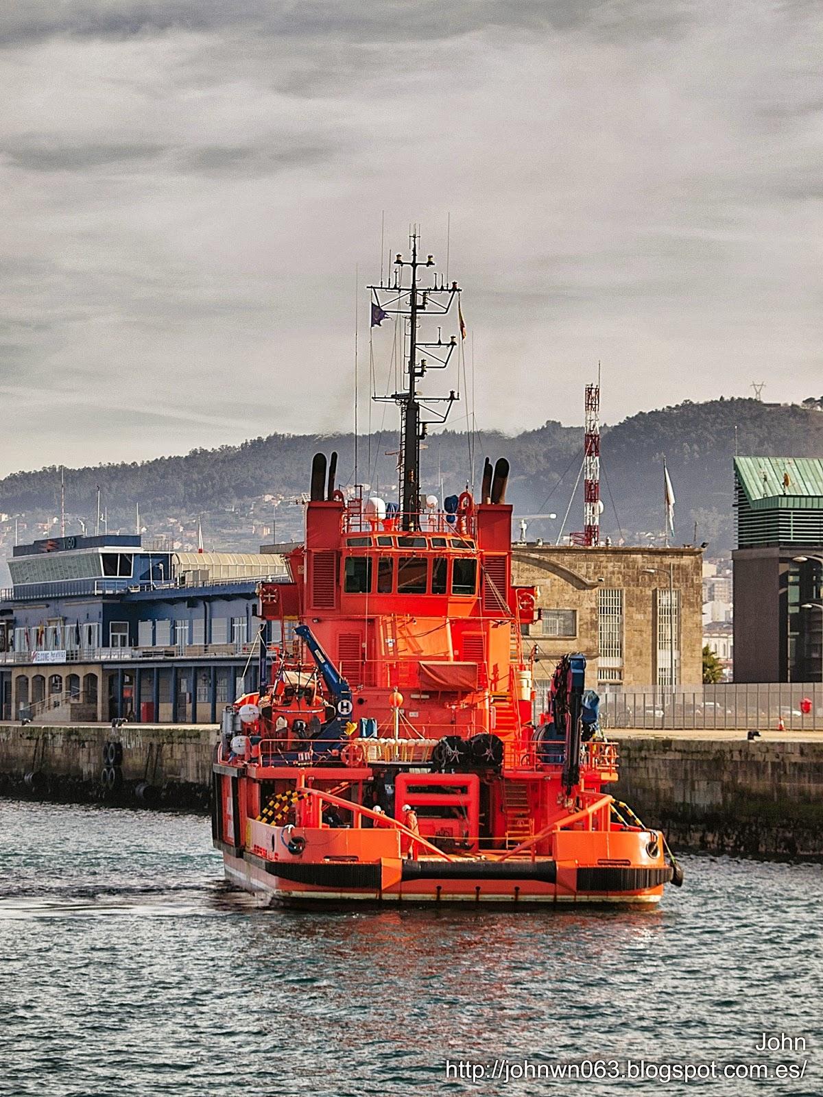 fotos de barcos, imagenes de barcos, salvamento maritimo, maria pita, remolcador, vigo