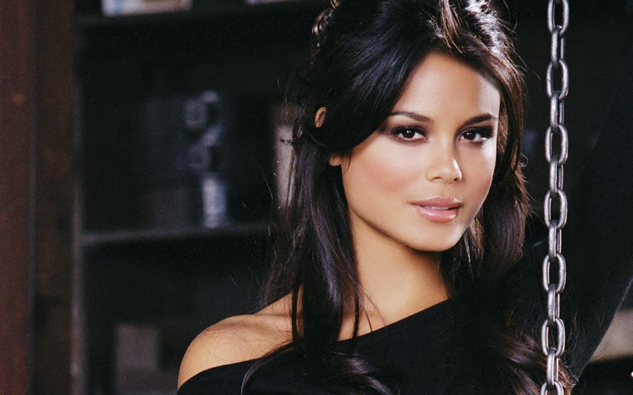 Nathalie Kelley Net Worth