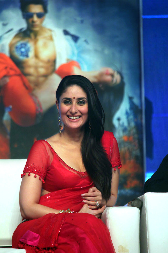 Kareena kapoor in red dress looking gorgeous