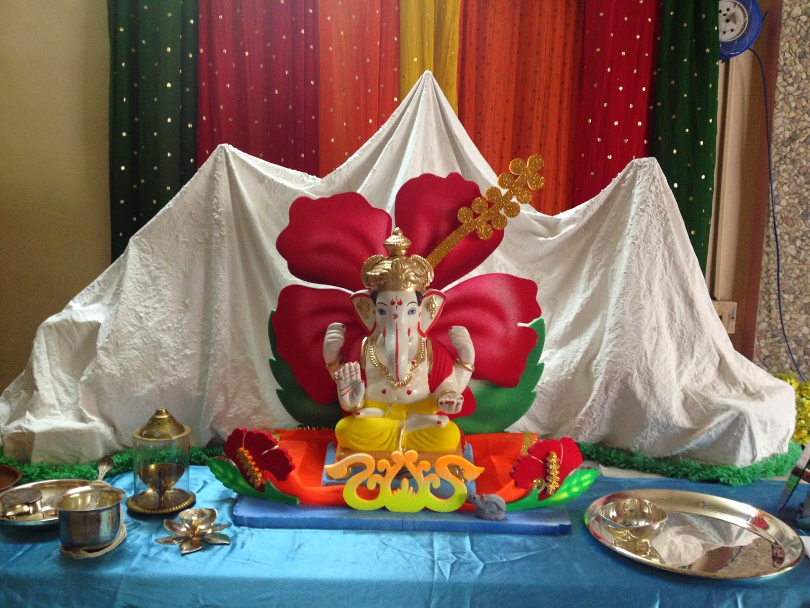 Ganapati decorations himalaya from plaster of paris pop for Decoration ganpati