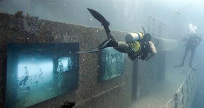 100 قدم تحت مستوى سطح البحر 2_exhibition.jpg