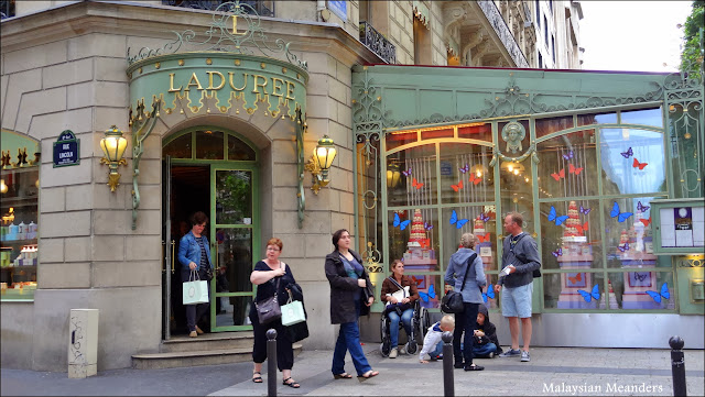 Laduree, Paris, Champs Elysees, macaron, bakery