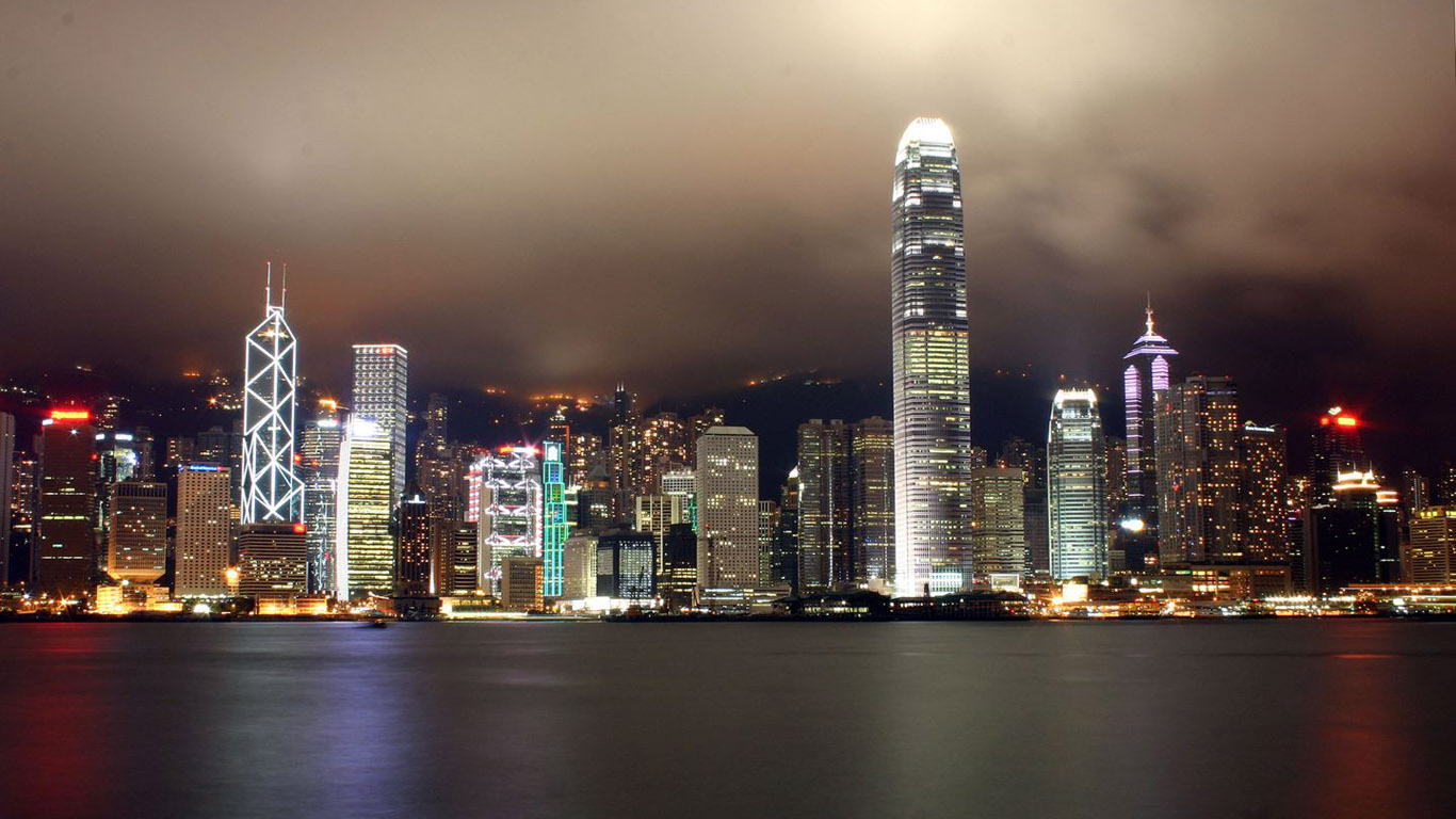 http://4.bp.blogspot.com/-OPu6NJICS3w/Tise_-0ftGI/AAAAAAAAA48/IFh9rX25yVI/s1600/Free_High_resolution_wallpaper_00783_hongkongbynight_1366x768.jpg