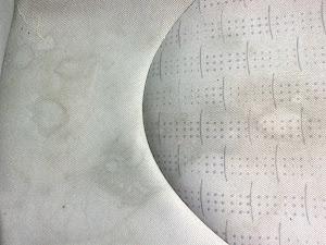 Pranie poplamionych foteli w samochodzie