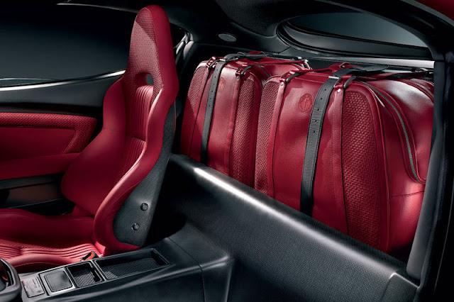 2007-Alfa-Romeo-8C-Competizione-Interior-back