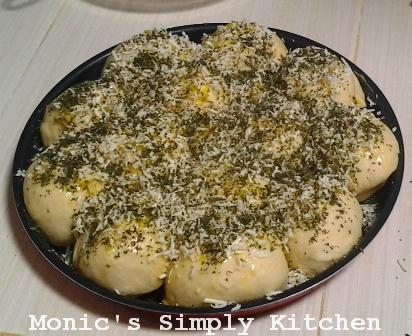 Eksekusi resep garlic cheese bread sebelum dipanggang