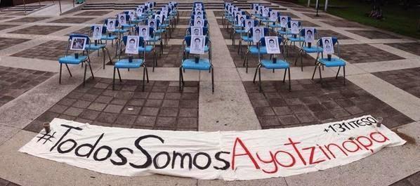 #AyotzinapaSomosTodos México muere con sus 43 estudiantes