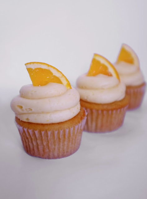 Sweet Elites Vegan Cupcakes: Mimosa in a Cupcake