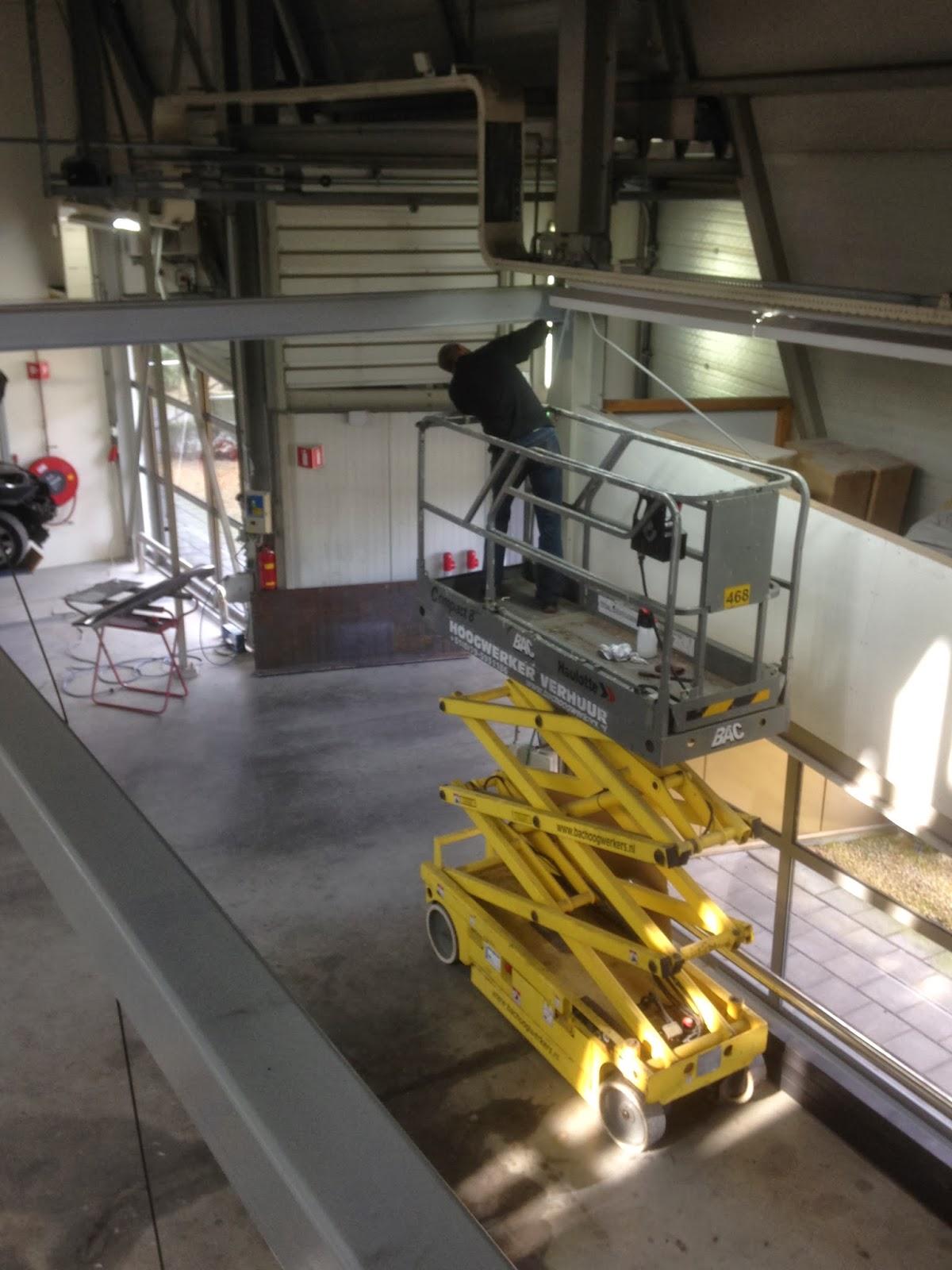 Superlas  Tesla werkruimte in het pand van Splinter Schade herstel Amsterdam