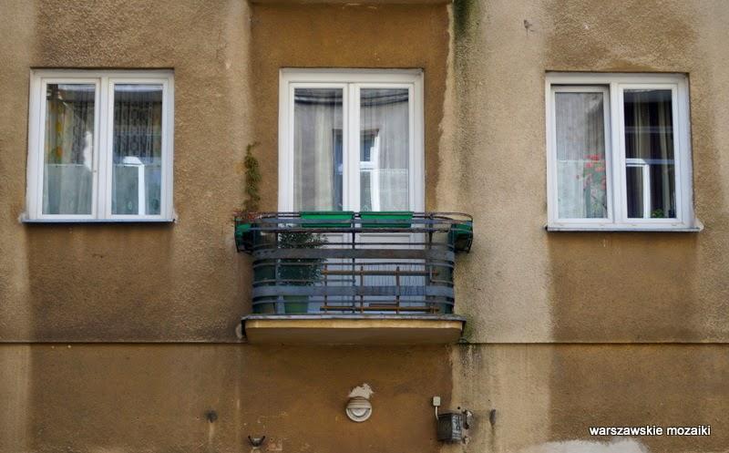 Warszawa Wola kamienica studnia zabytek  balkon