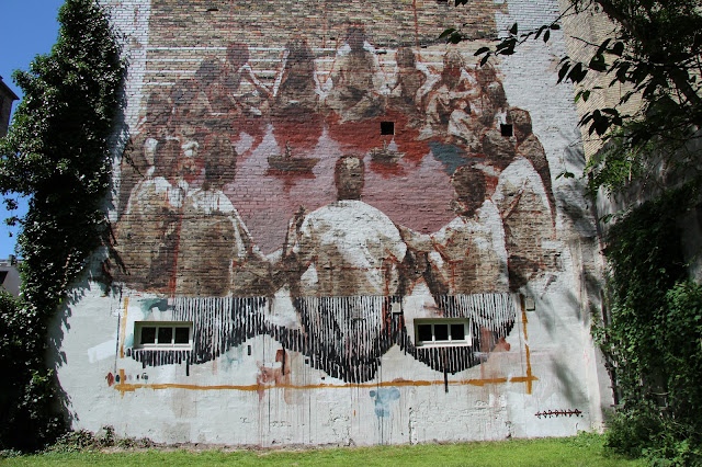 Gonzalo Borondo recently stopped by the city of Copenhagen in Denmark where he was invited by the Surface Project to work on a new mural.