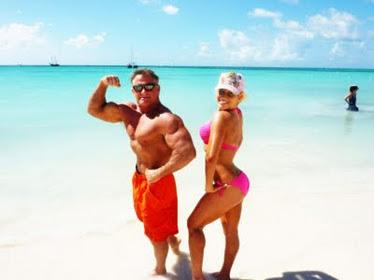 Shawn Rene & Her Dad! Aruba Beach Family Vacation Candid Photo