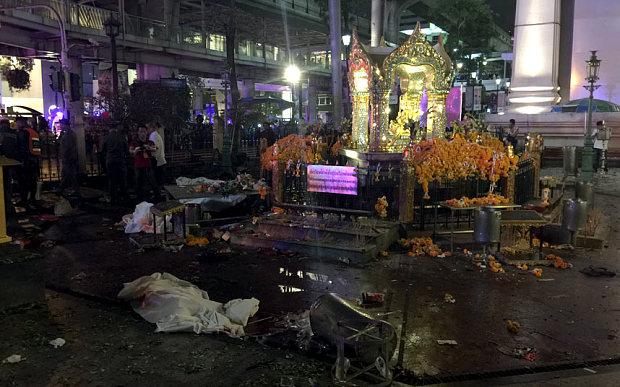 Explosão em Banguecoc mata pelo menos 12 pessoas e fere 25