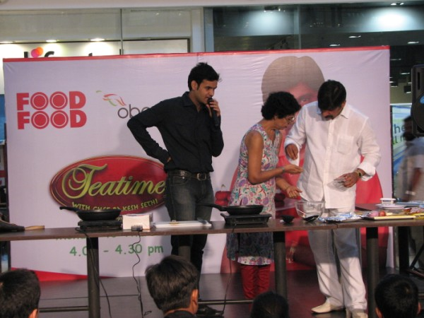 Rakesh sethis cookery show at oberoi mall pearl rise entertainment the celebrity chef rakesh sethi conducted an hour long cookery show at the mall where he prepared two indian delicacies forumfinder Images
