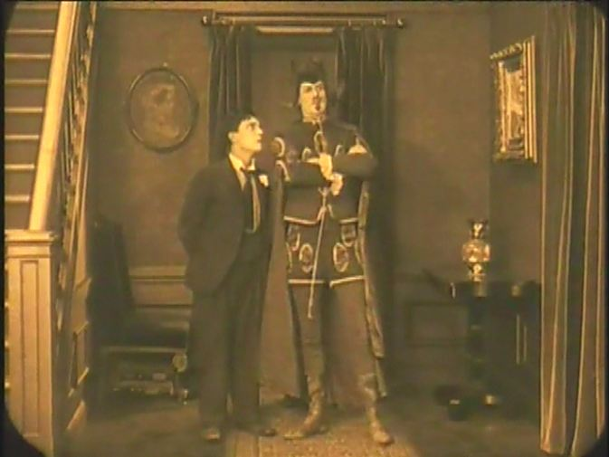 Dave 39 s classic films the haunted house 1921 for Classic haunted house movies
