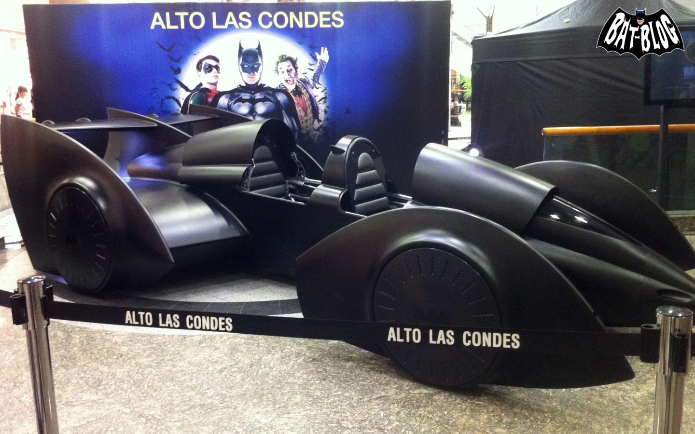 http://4.bp.blogspot.com/-ORh5eUprCZ0/T7J9w8pVAwI/AAAAAAAATpw/CbYdWedGtsk/s1600/meddy-batman-live-batmobile-chile.jpg