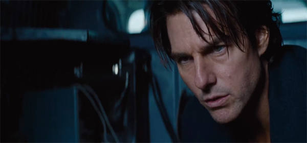 Screen Shot Of Hollywood Movie Mission Impossible 4 (2011) In English Full Movie Free Download And Watch Online At Downloadingzoo.Com