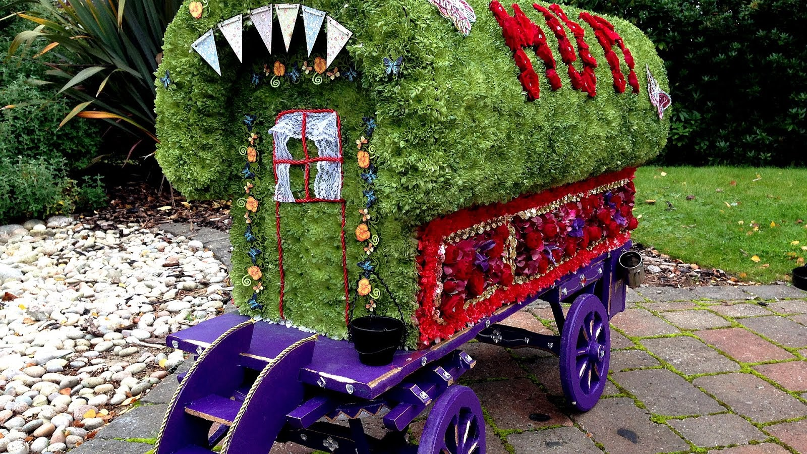 Funeral of diana princess of wales flower flower choices izmirmasajfo