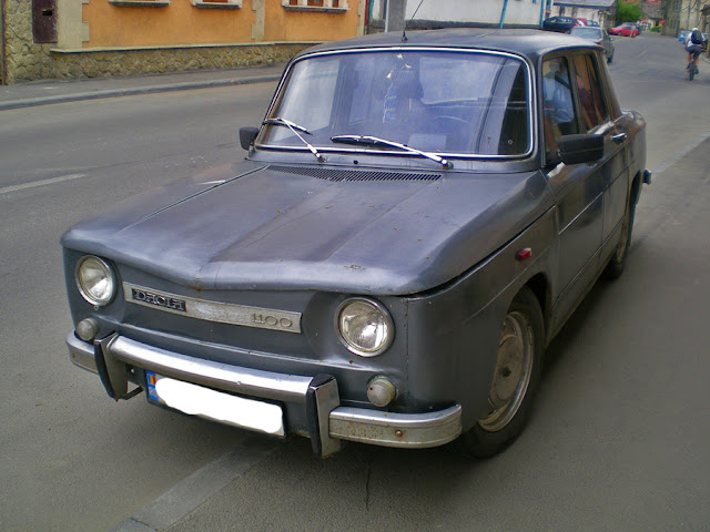 Romanian Car Dacia 1100 front view