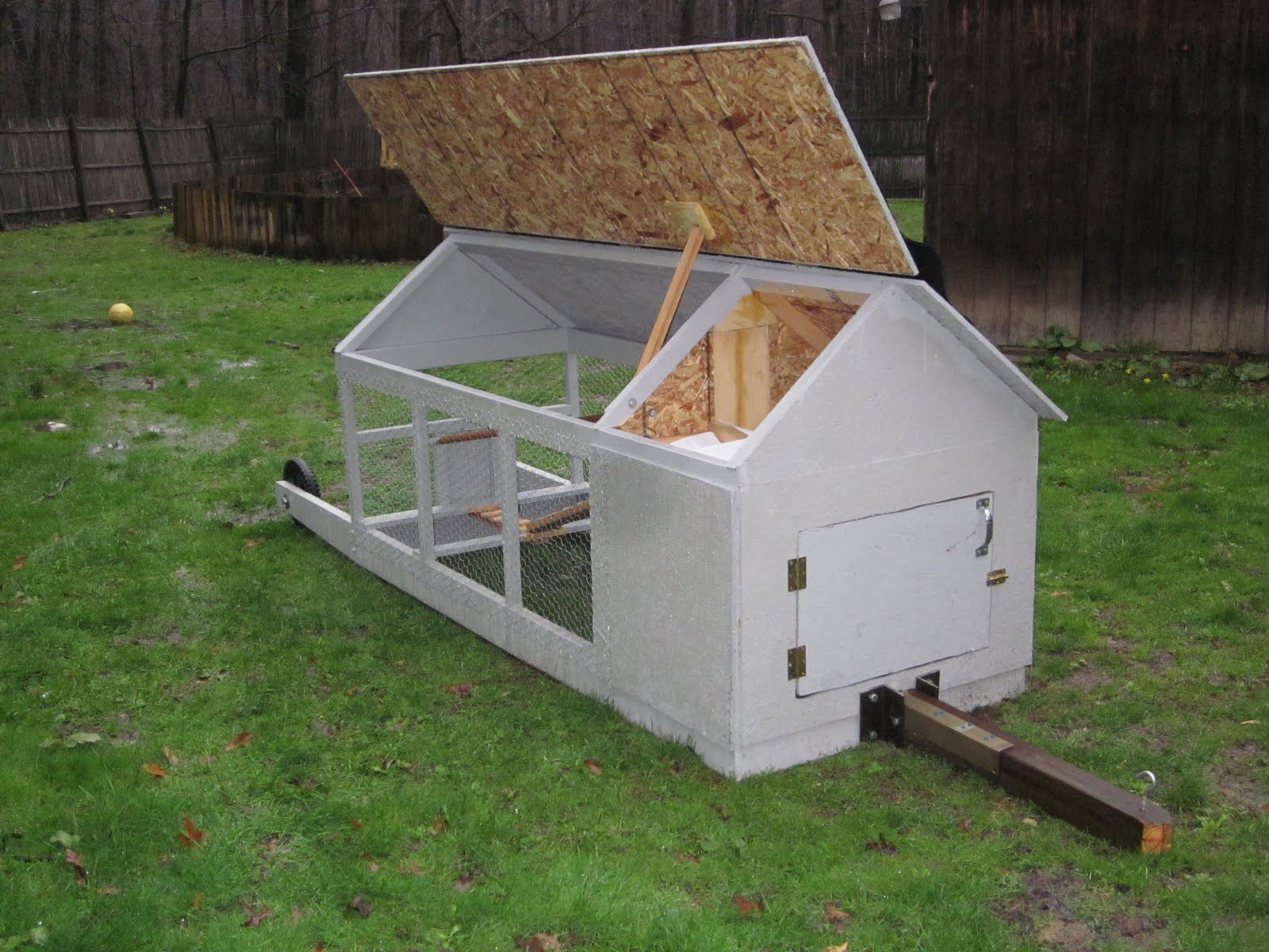 Sparing change our homemade chicken coop for Homemade chicken house