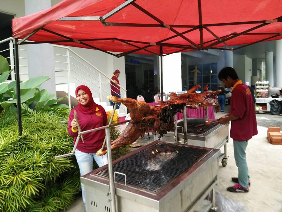 MJ FATONAH SDN BHD: BBQ Kambing Untuk Jamuan Hari Raya Ibu Pejabat LPP