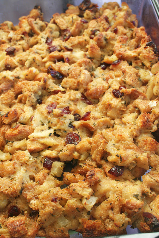 Apple Cranberry Stuffing - Oh Sweet Basil