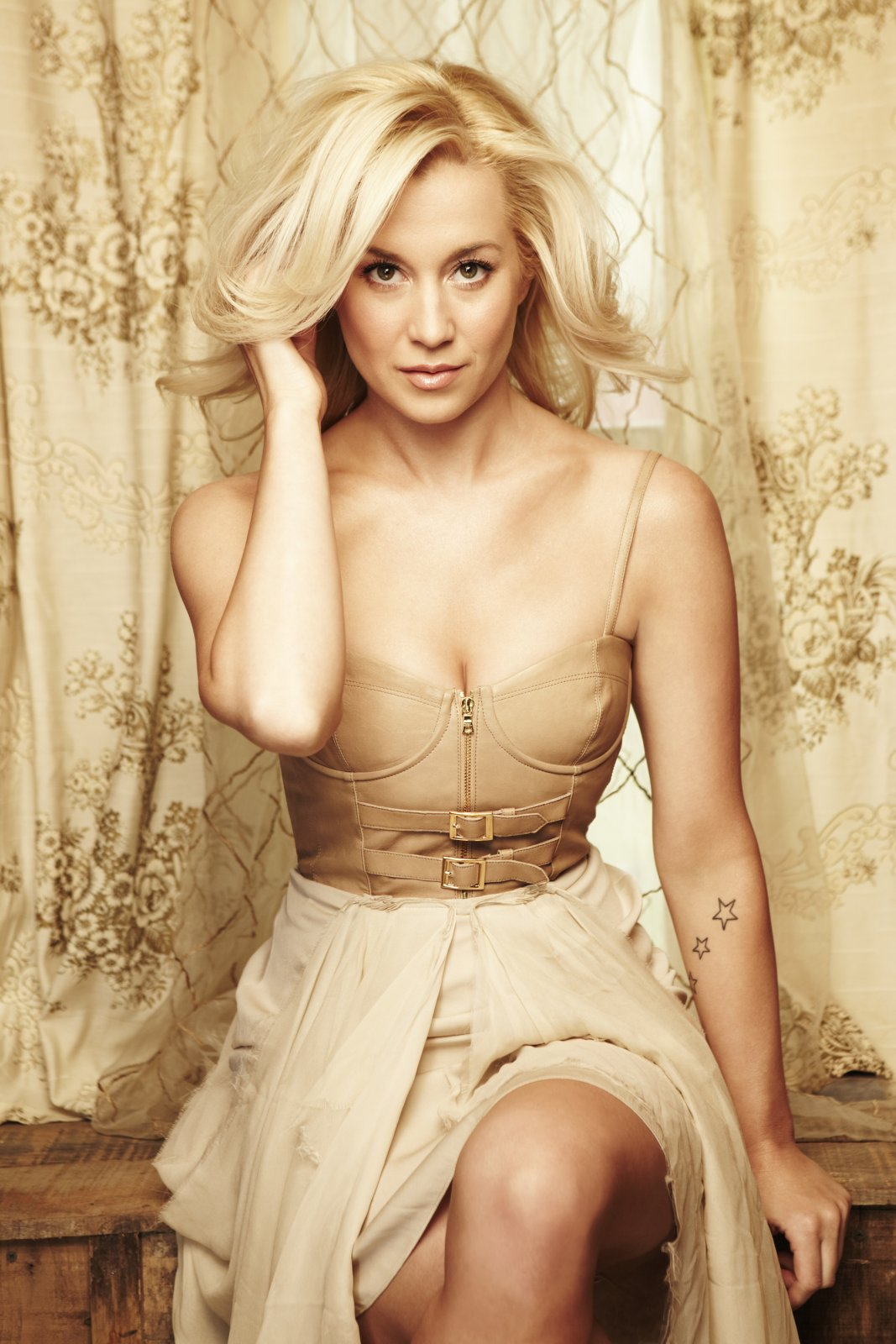 Kelly pickler nude pic something also