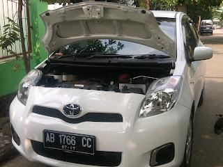Pengecekan Mobil Toyota Yaris AB 1766 CC Balikpapan.