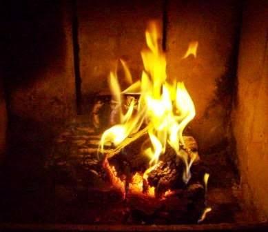 Stan kominka po godzinie od podłożenia ognia.