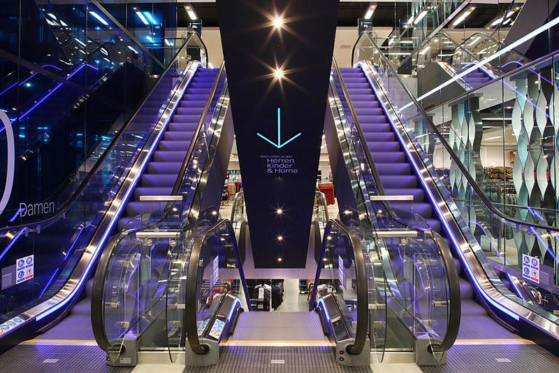 lift in primark hannover open