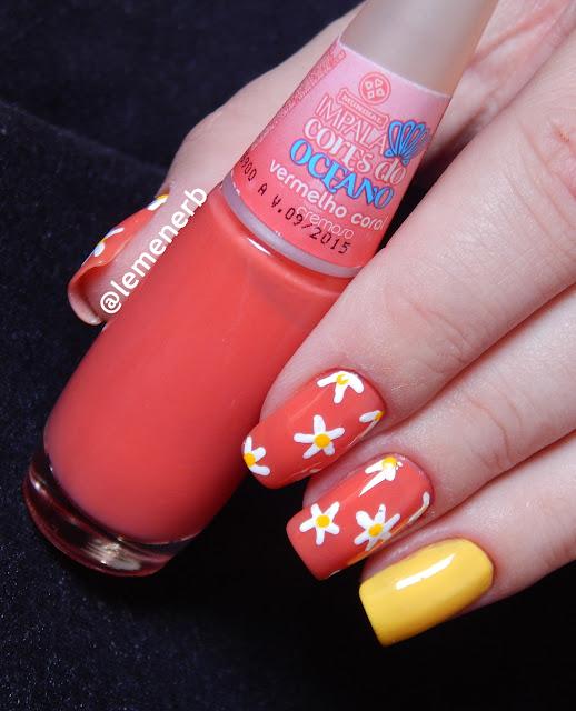 flores nas unhas
