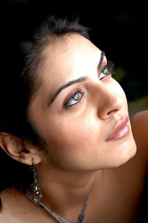 Niharika-singh-Hot-Bollywood-Actress-5