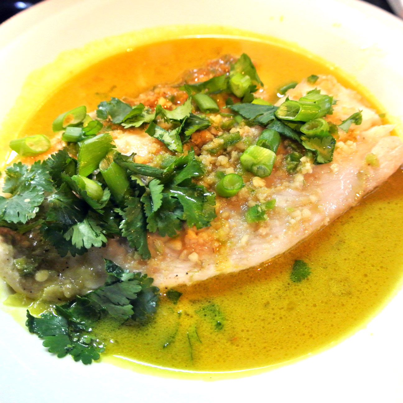 Mom, What's For Dinner?: Low Calorie Ginger and Cilantro Baked Tilapia