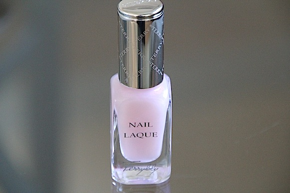 by terry soin primer eclat d'ongles 102 bubble glow rose