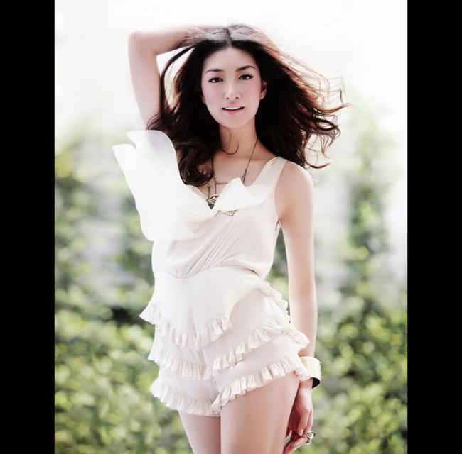 Hotgirl Thái Lan xinh đẹp nóng bỏng trên du thuyền