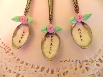 how-to-decoupage-spoon-ornaments