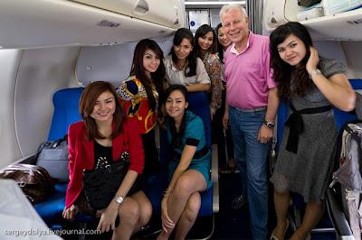 Pramugari Sexy Pesawat Sukhoi