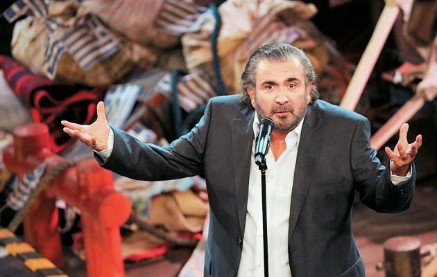 Ο Λαζόπουλος προσπαθεί να μαζέψει τα ασυμμάζευτα με μια συγνώμη…