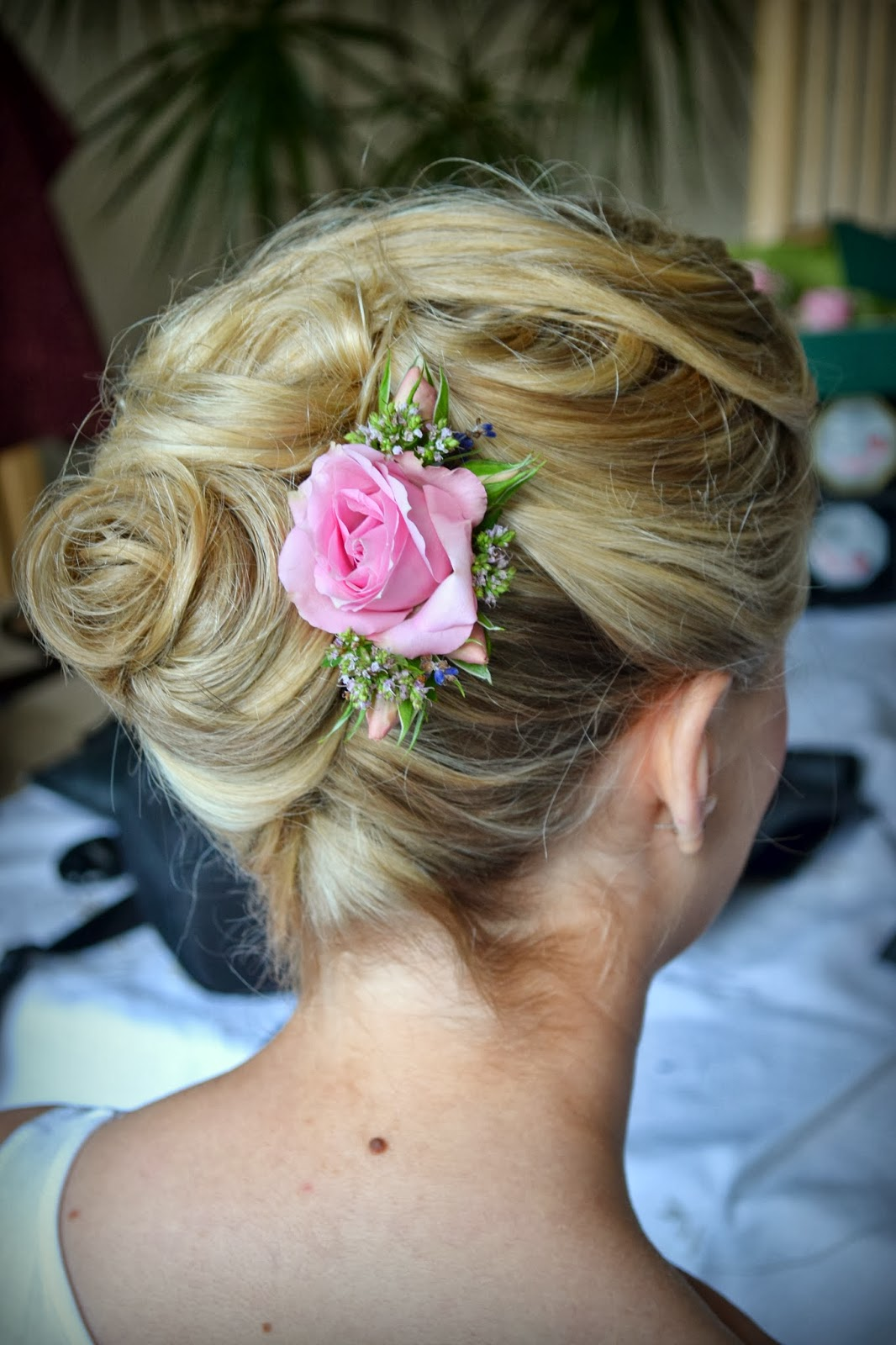 Wedding hair accessories gloucestershire - Wedding Bridal Hair Specialist October 2013