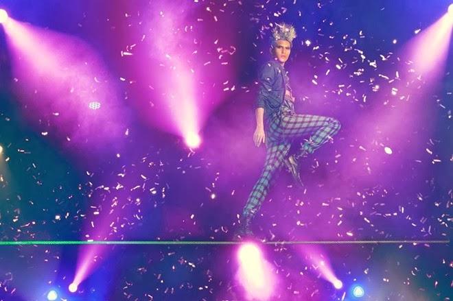 Bộ ảnh Thí sinh Next top model 2013 trên không trung