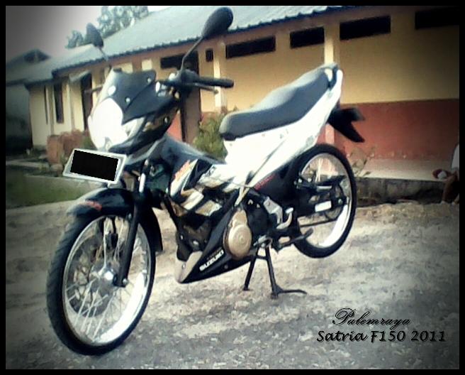 Modifikasi Satria F150 Hitam Putih 2011 title=